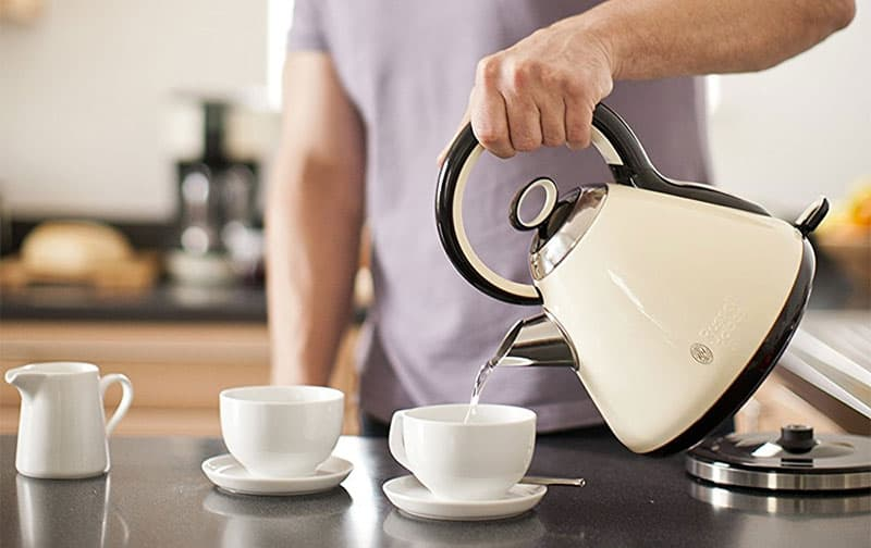 Buying Guide: Choosing The Best Kettle For Tea and Water Boiling