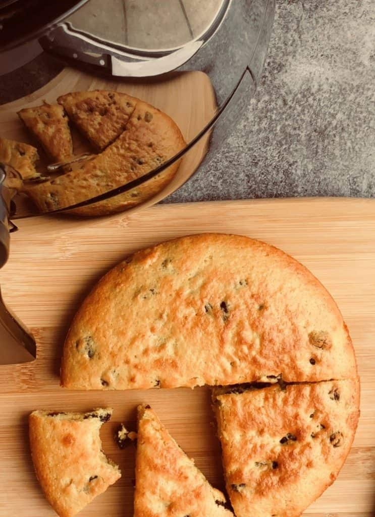 Apricot and Raisin Cake