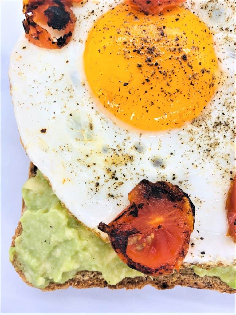 avocado toast with fried egg on top