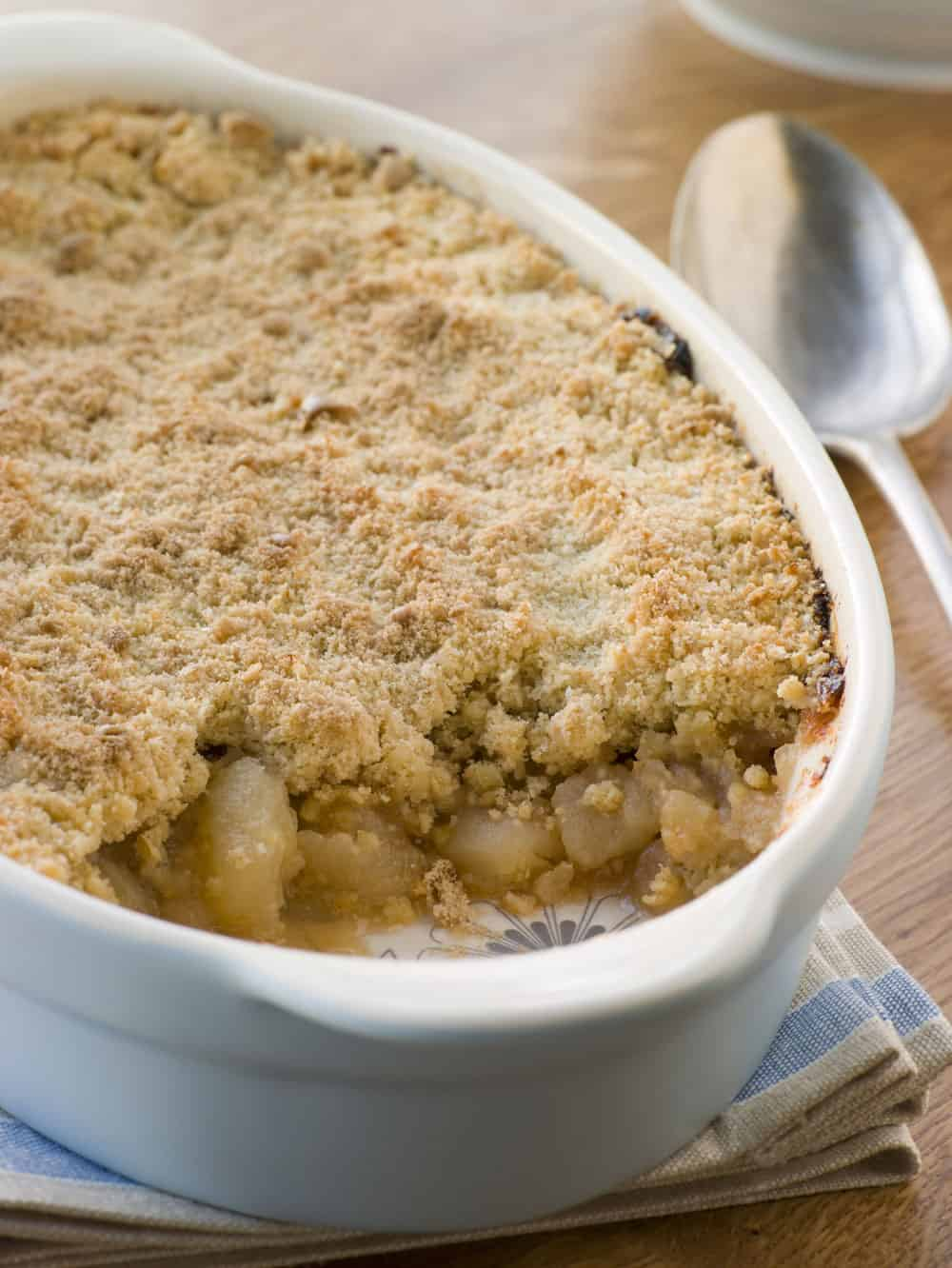 apple crumble in dish