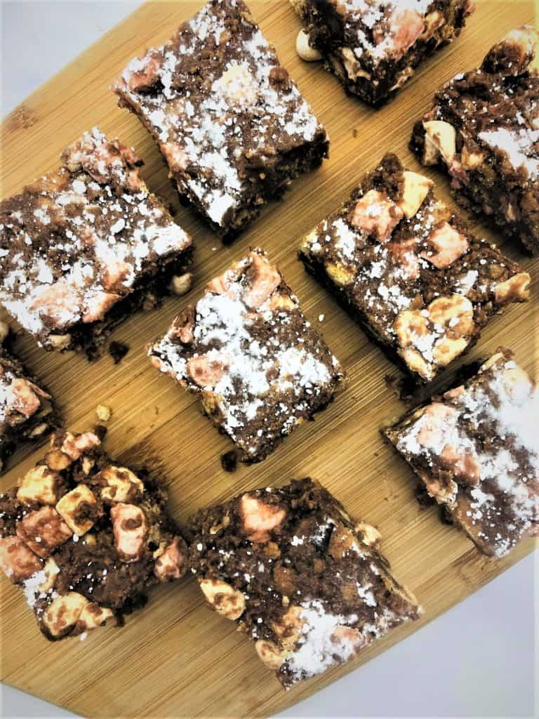 rocky road sliced up on chopping board