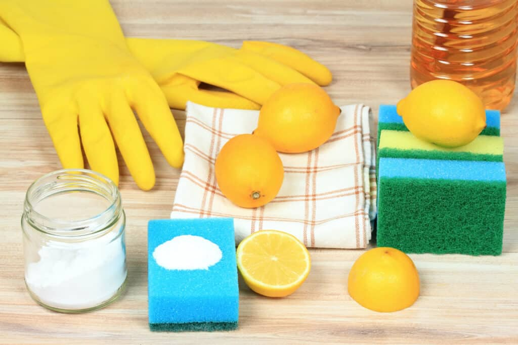 bicarbonate of soda for cleaning burnt pans