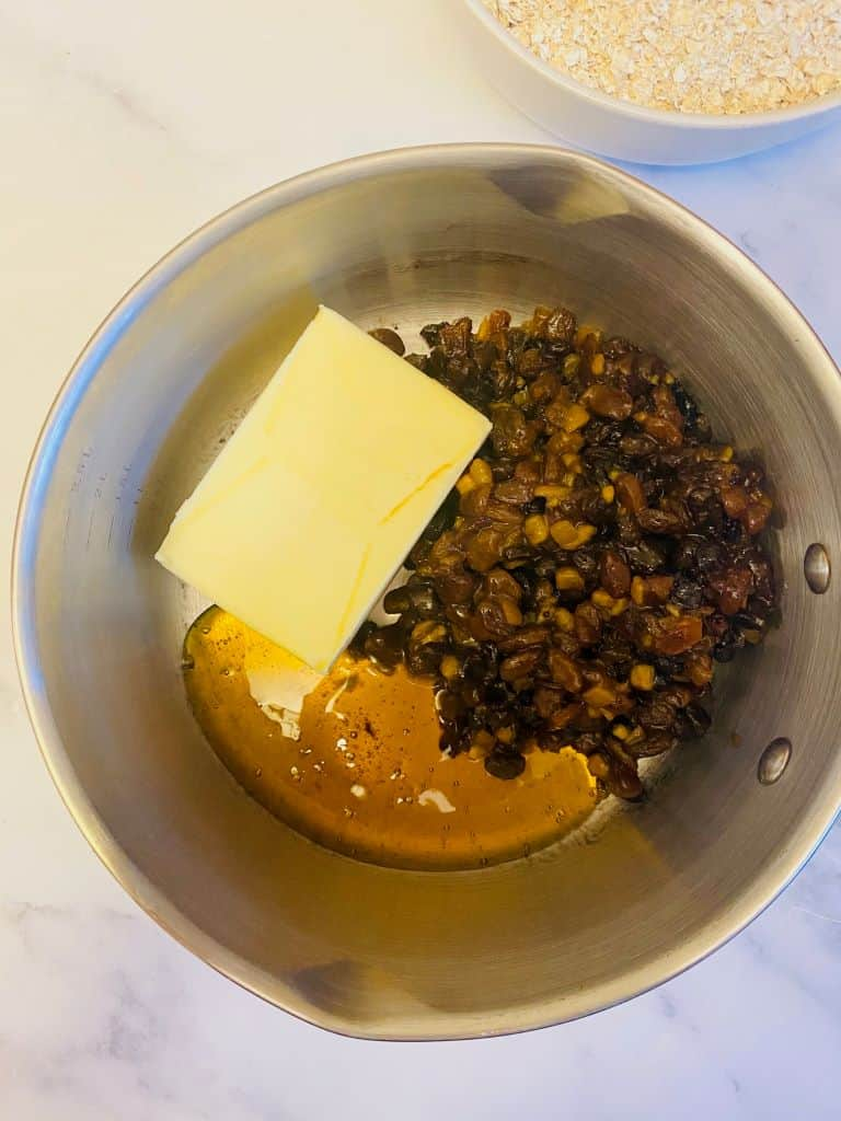 butter syrup and mincemeat in pan