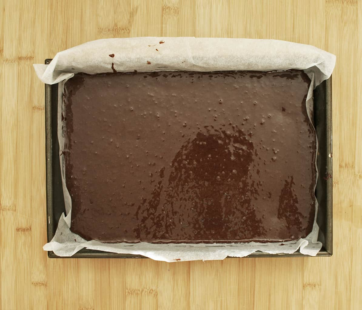 cake mix in tin
