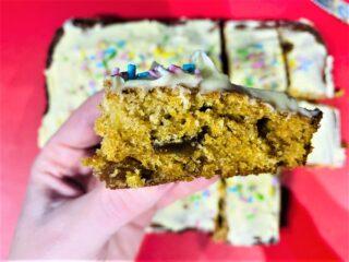 carrot cake tray bake recipe