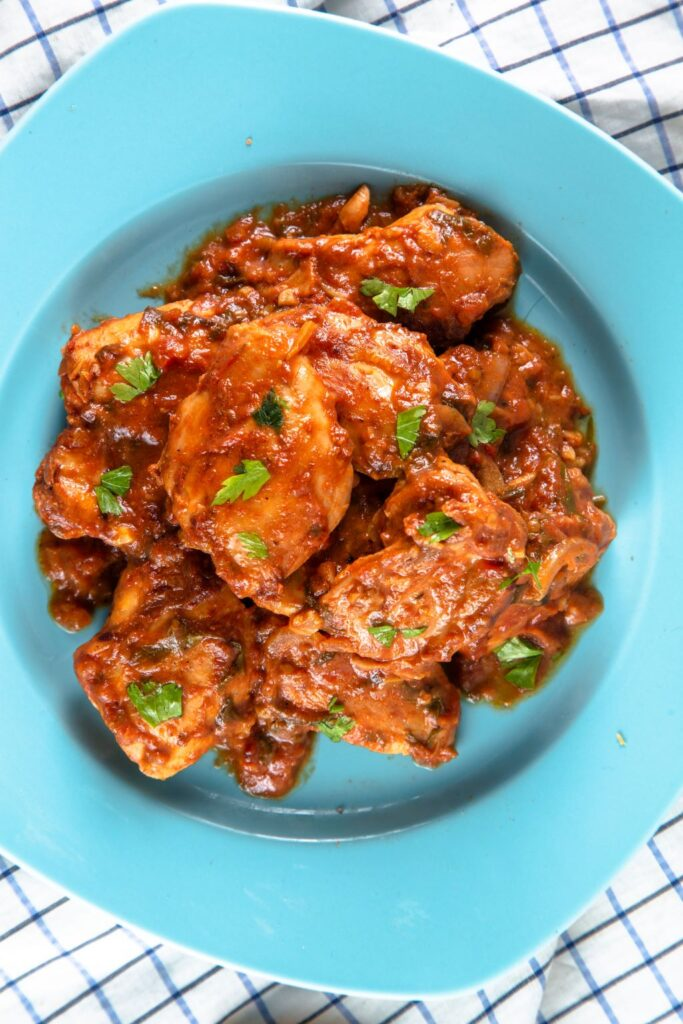 slow cooker chicken salsa on plate