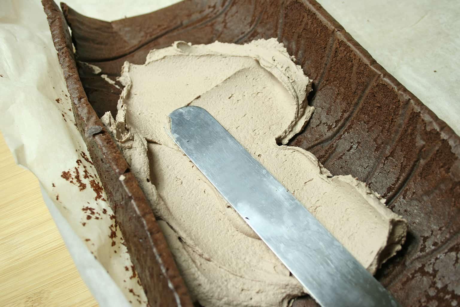 cream put on cake
