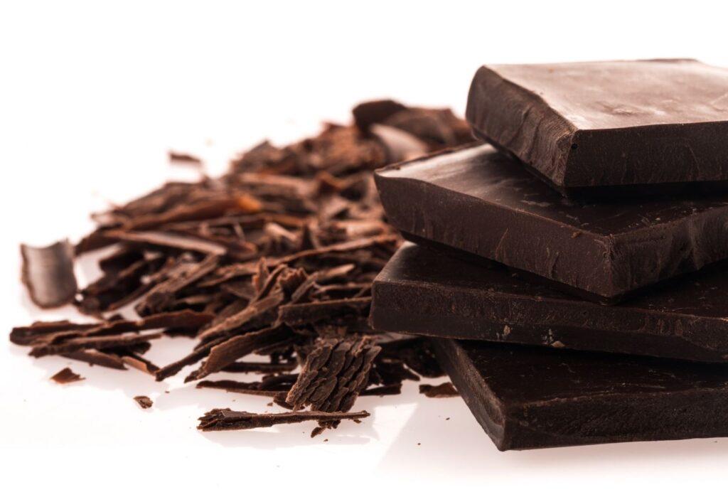 dark chocolate chunks and shavings