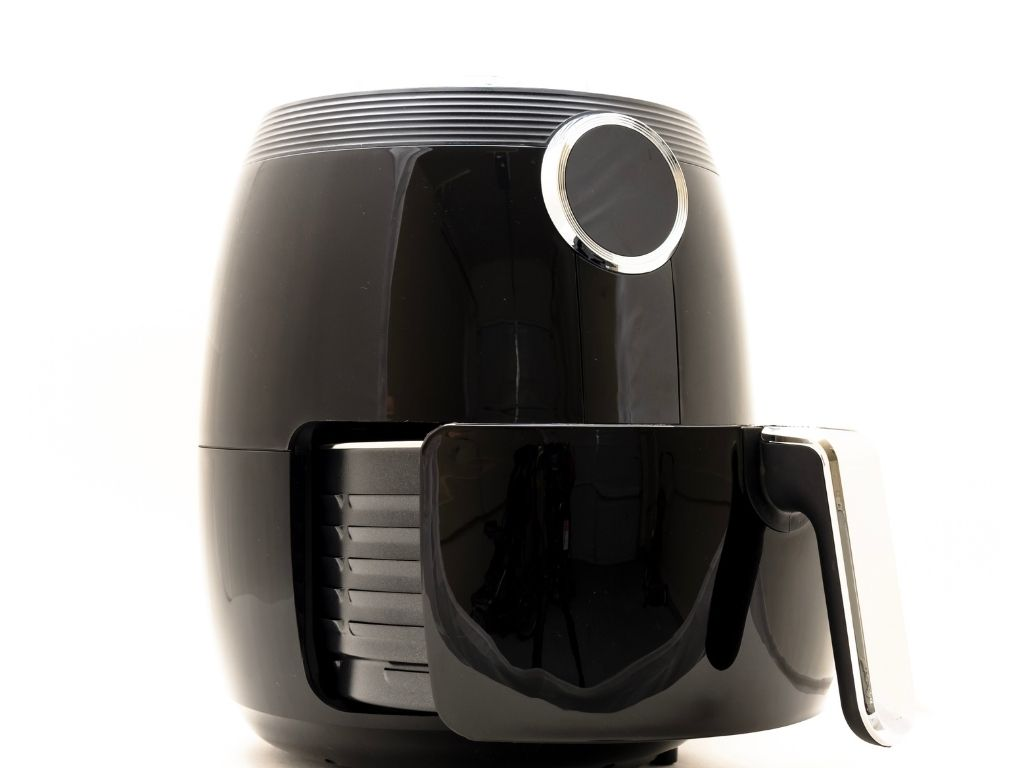 using an air fryer to cook sausages