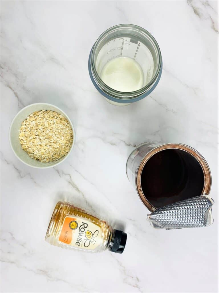 ingredients for chocolate overnight oats