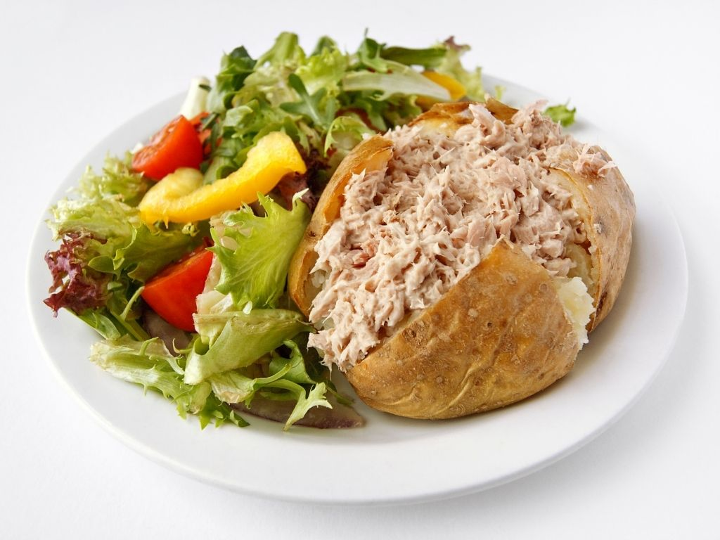 jacket potato with tuna mayonnaise filling