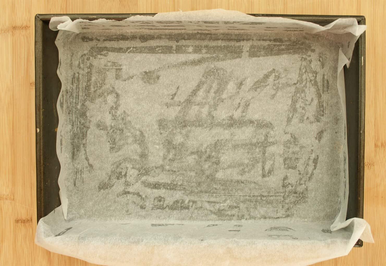 lined rectangular tin