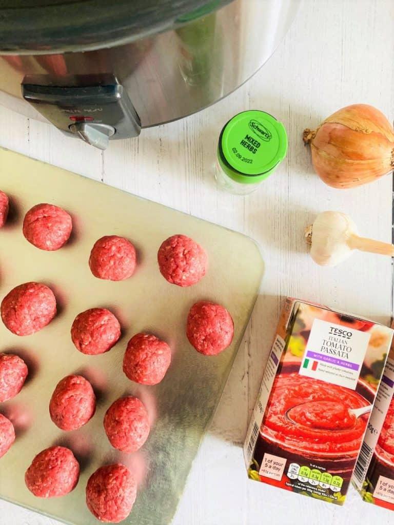 meatballs in slow cooker ingredients