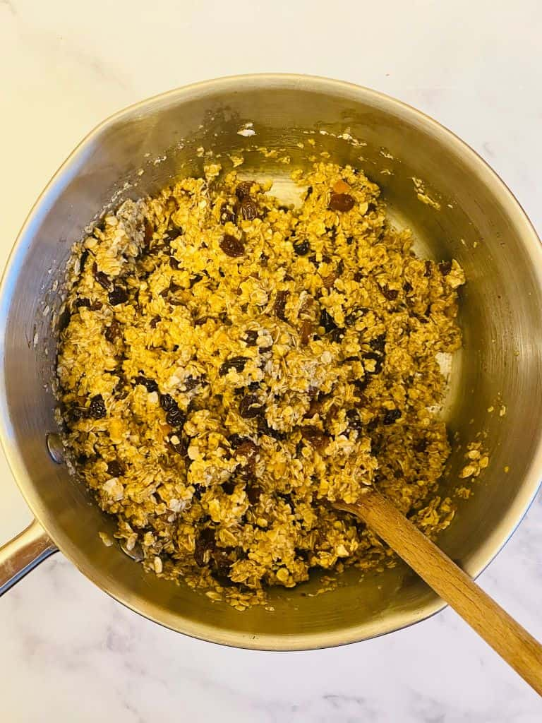mincemeat flapjack stirring