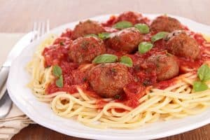 slow cooker meatballs on spaghetti